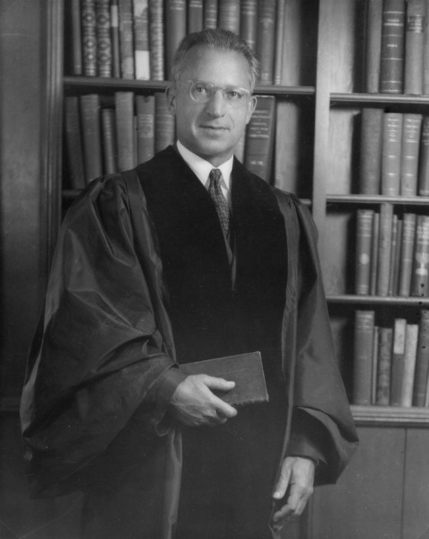 Rabbi Irving Reichert of Congregation Emanu-El in San Francisco. (Photo: Congregation Emanu-El, San Francisco, Archives)