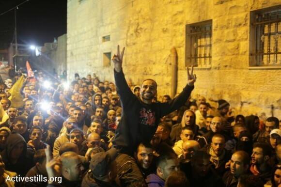 Samer Issawi arriving to his home in Jerusalem. (Photo: Oren Ziv/Activestills.org)