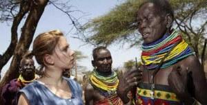 Oxfam ambassador Scarlett Johansson visits Dadaab, Kenya, the largest refugee camp in the world (photo: Oxfam)
