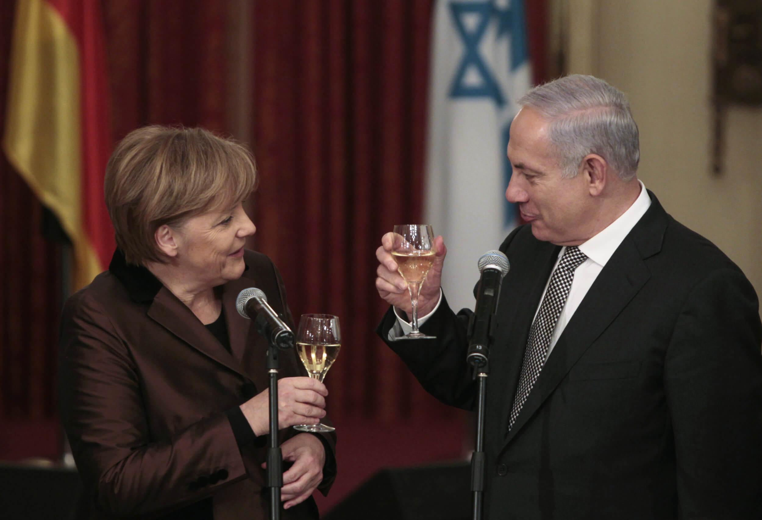 La vie des hommes infâmes : l'horreur et la pitié. - Page 3 Netanyahu-merkel-jerusalem-20