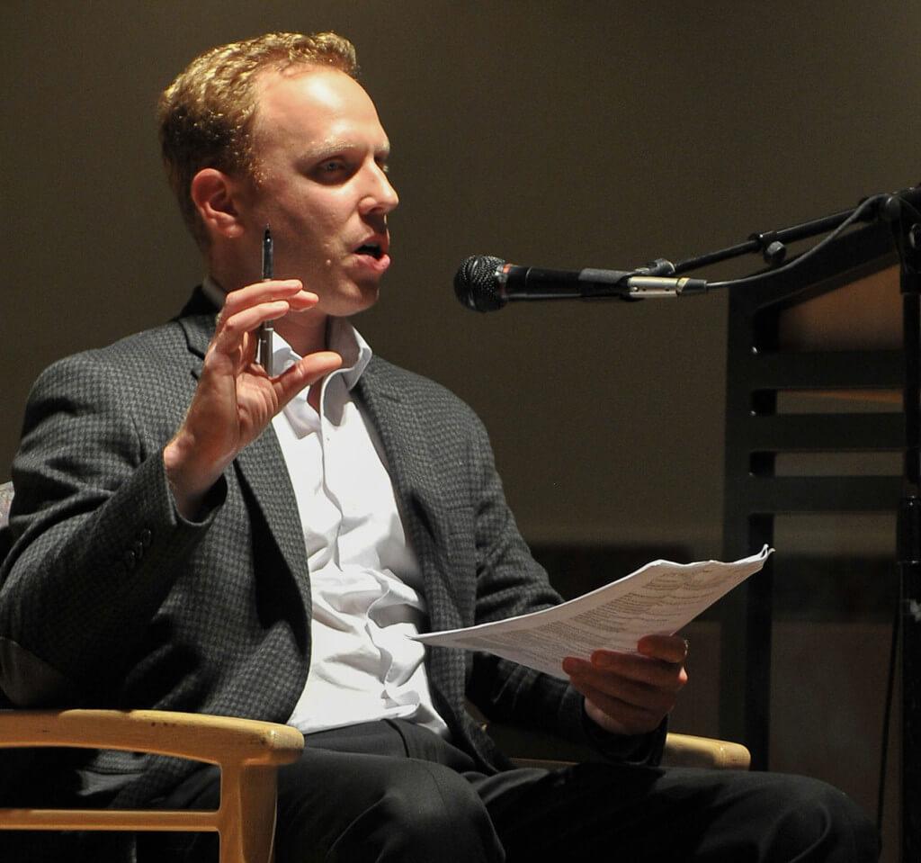 Max Blumenthal speaking in Culver City, CA, November 4, 2013. (Photo: Jimmy Janszen)