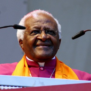 Desmond Tutu speaking at the German Evangelical Church in 2007. (Photo: Elke Wetzig/Wikimedia Commons)