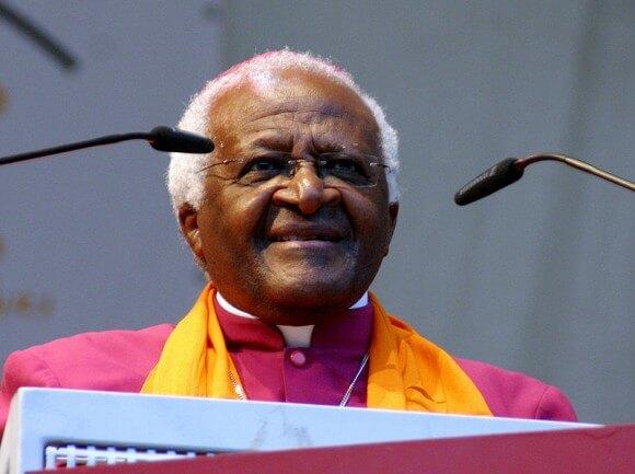 Desmond Tutu speaking at the German Evangelical Church in 2007. (Photo: Elke Wetzig/Wikimedia Commons)