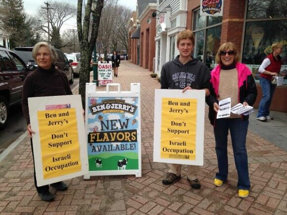 Activists in Bradfort, CT (Photo via Vermonters for a Just Peace in Palestine/Israel)