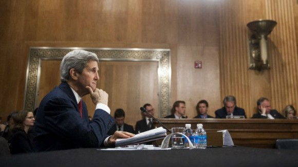 Secretary of State John Kerry testifies during a Senate Foreign Relations Committee hearing on April 7, 2014 (Photo: AFP/Saul LOEB)