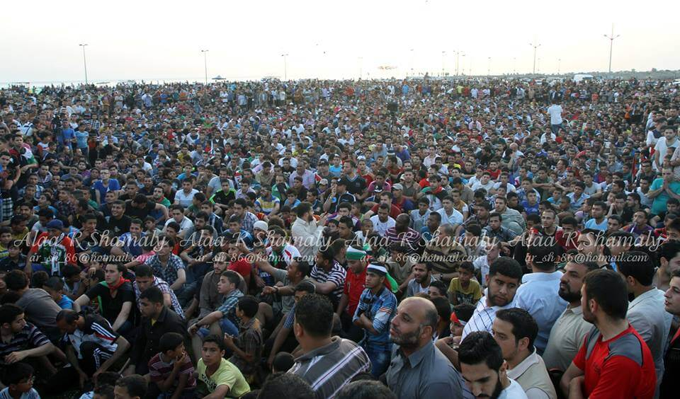 Fans who assembled to watch the match in the port of Gaza (photo: Alaa Shamaly
