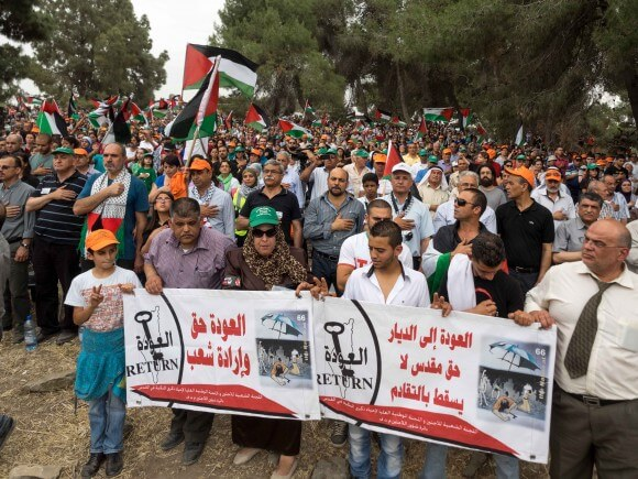 Thousands of people gather to commemorate the 1948 Nakba. (Photo: Dan Cohen)