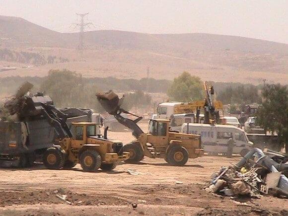 The demolition al-Araqib on 6/12/2014 (Photo: Ratb Abo Krenat)