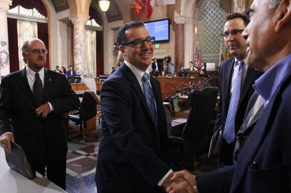 Los Angeles City Councilmember Bob Blumenfield shaking hands with Jacob Segal of the Southern California Israel Chamber of Commerce. (Photo: Blumenfield.LACity.Org_