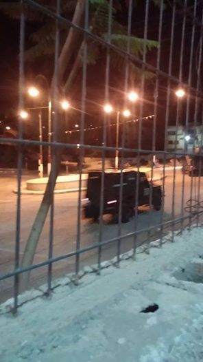 Israeli army patrolling Ramallah near the presidential compound. (Photo: Ma'an News Agency)