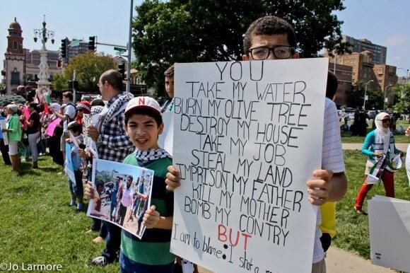 Pro-Palestinian demonstration in Kansas City, July 20,photo by Billy Jo Larmore