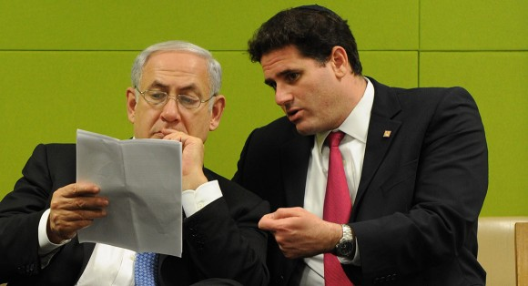 Israeli Ambassador to the U.S. Ron Dermer and Israeli Prime Minister Benjamin Netanyahu. (Photo: Newscom/Shahar Azran)