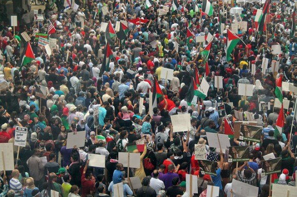 Protest in solidarity with Gaza, Chicago, IL July 20, 2014 (Photo: Bob Simpson/ Flickr)