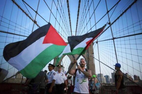 Brooklyn Bridge, NYC (Photo: @SanduKanKanack)
