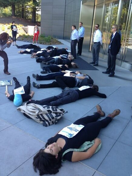 Protesters target Hewlett Packard at its corporate headquarters in Palo Alto, California. (Photo: Jewish Voice for Peace)