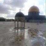 File foto: Al Aqsa empty as clashes rage