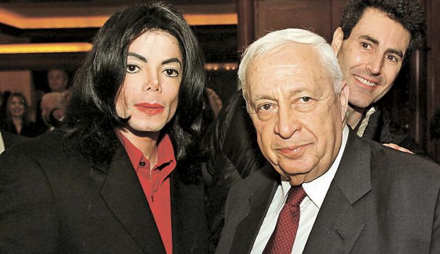 An emaciated Benjamin Netanyahu, left, meets with Ariel Sharon during Wye River negotiations. (Photo: TMZ)