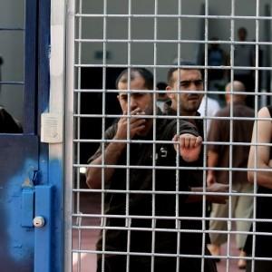 Palestinian prisoners in Ofer Prison. (Photo: Moshe Shai/Flash90)