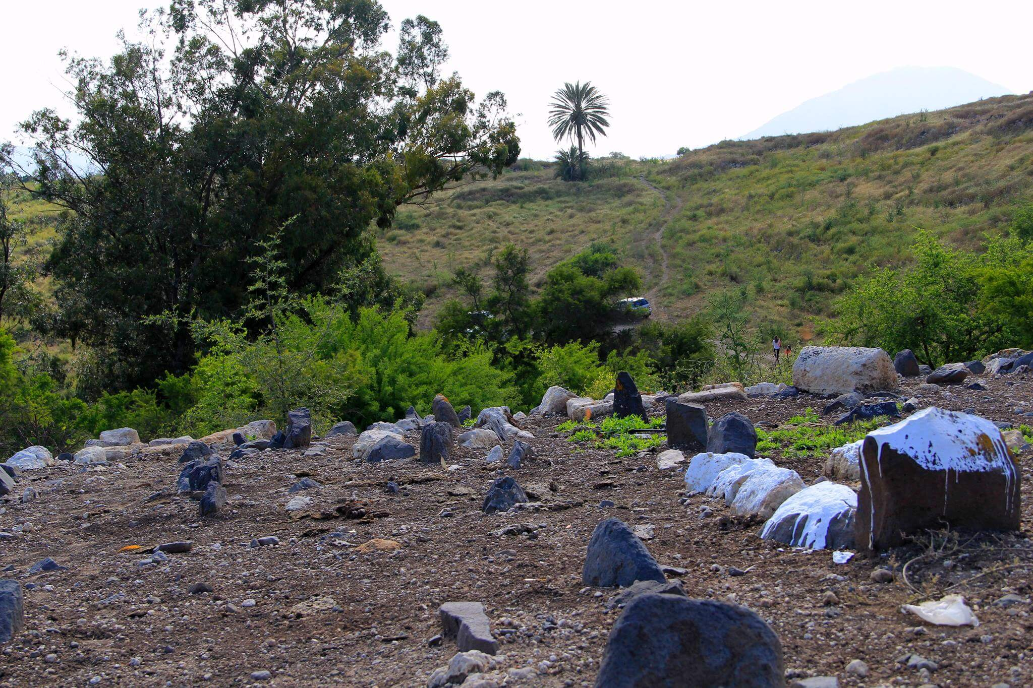 Scattered remains of the village of Hadatha. (Photo: Tarek Bakri)