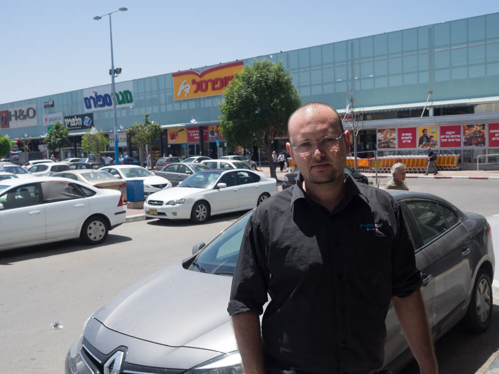 Ashkelon resident, and Shekem Electric employee, Stan Goldin. (Photo: Dan Cohen)