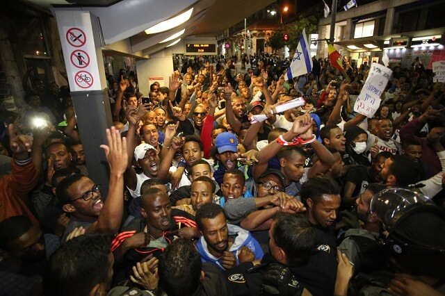 Ethiopian Israelis protest police brutality, in Jerusalem on April 30 (Photo: Haaretz)