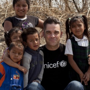 Robbie Williams representing UNICEF in Mexico. (Photo: UNICEF)