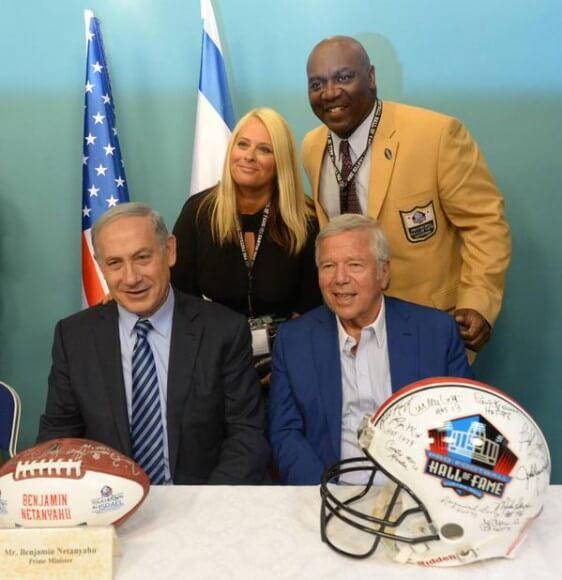 Netanyahu with football delegation