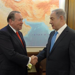 Former governor of Arkansas and GOP presidential contender Mike Huckabee with Israeli Prime Minister Benjamin Netanyahu. (Photo: Mike Huckabee/Facebook)
