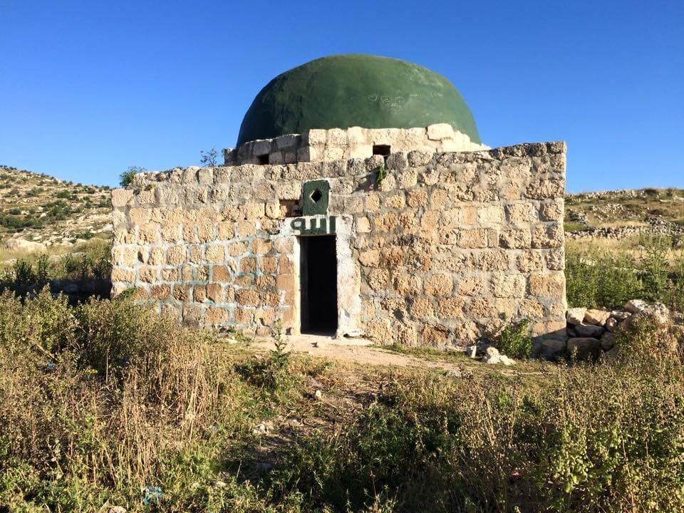 A Sufi shrine in Idhna, north of Hebron. (Photo: Alex Shams)