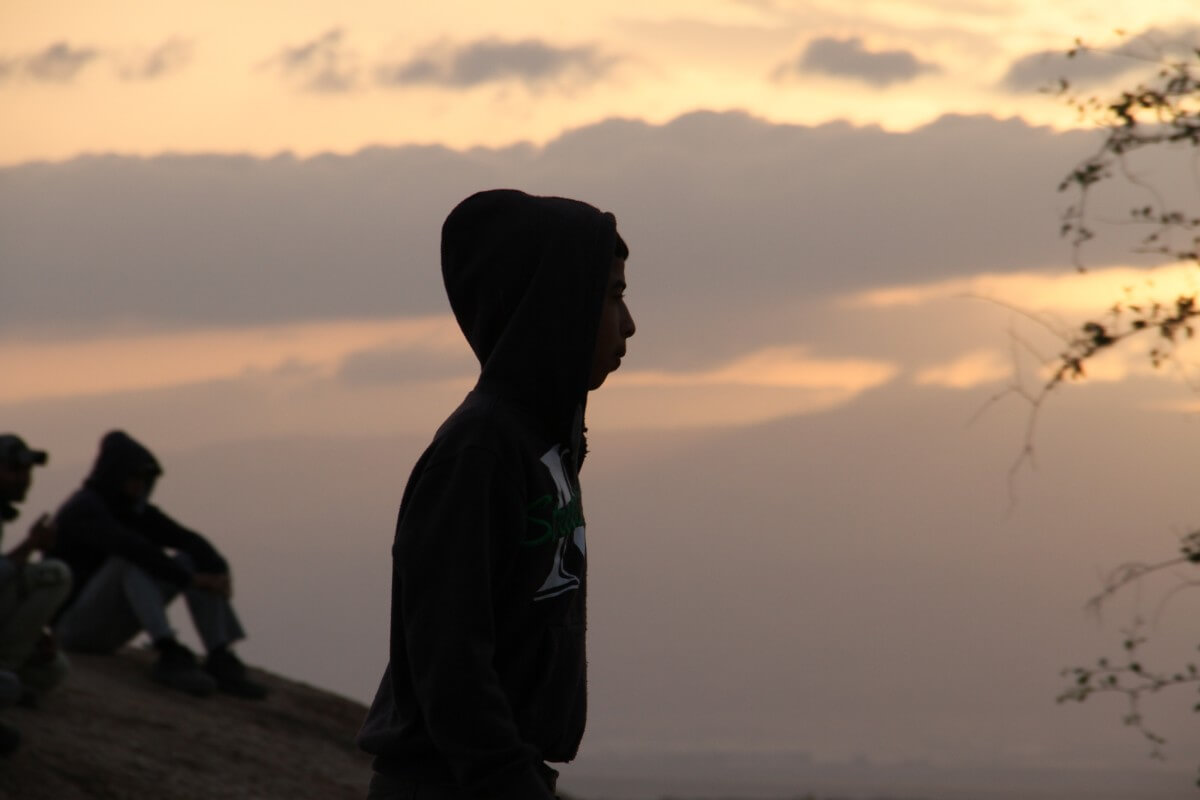A Palestinian child worker at the end of his shift at Tomer settlement. (Credit: Hamza Zbeidat) ​