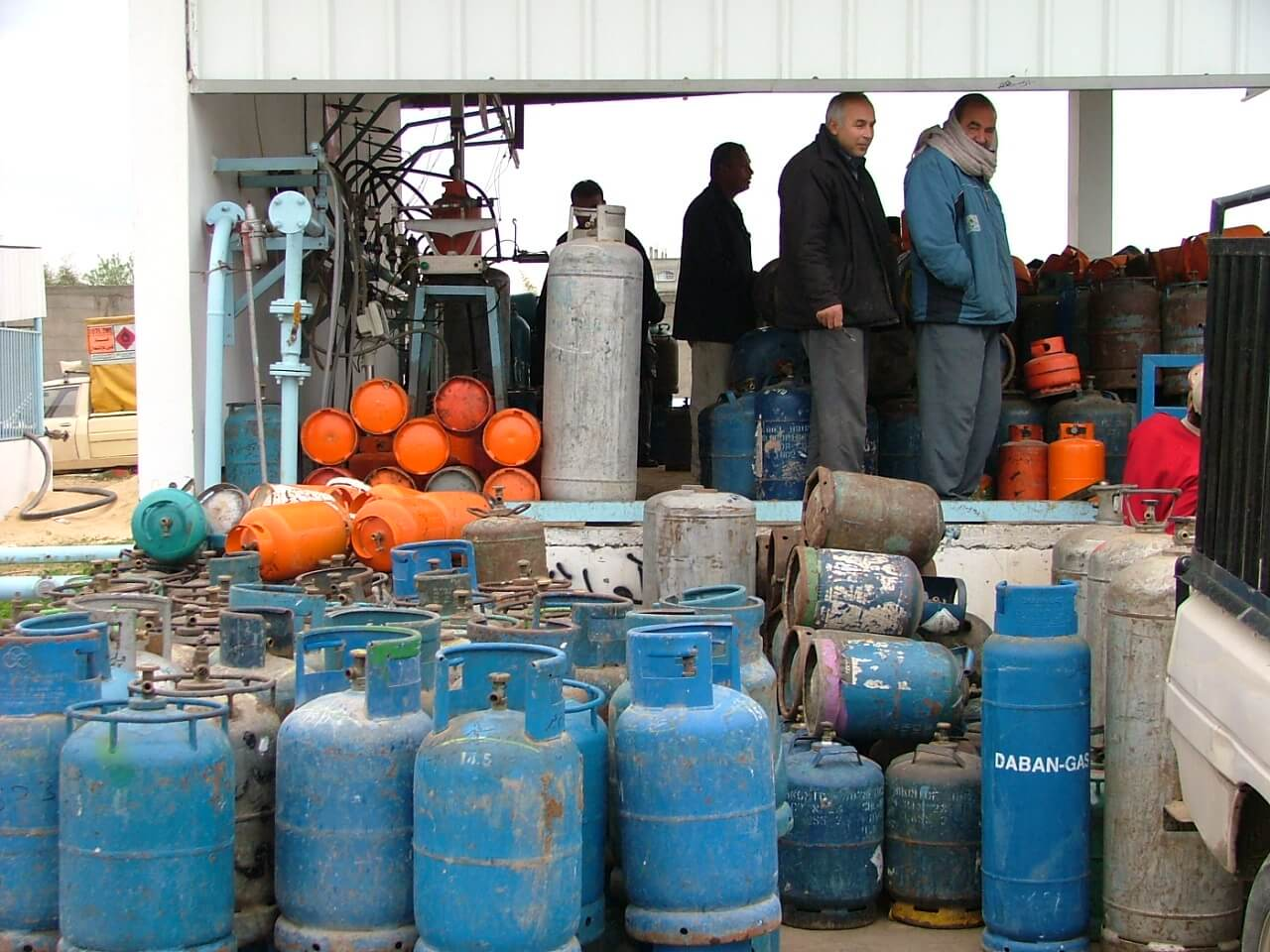 There is also a gas crisis in Gaza. Here people line up to receive their share of gas. (Photo: Isra Saleh El-Namy)