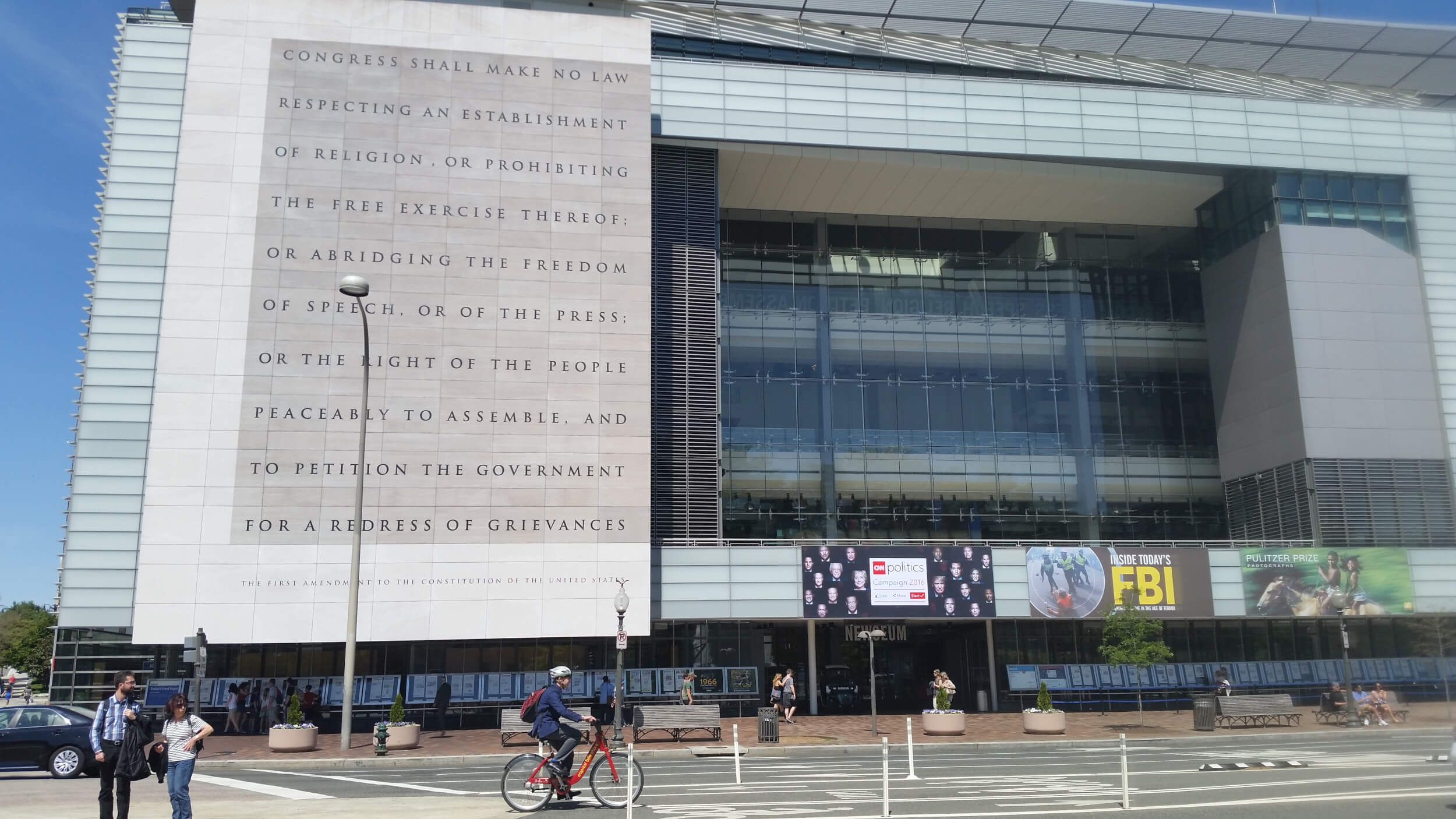 Newseum with Establishment clause