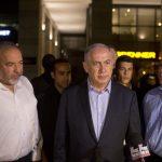 Benjamin Netanyahu and Avigdor Liberman speak to reporters on June 8. (Photo: Lior Mizrahi/Getty Images)