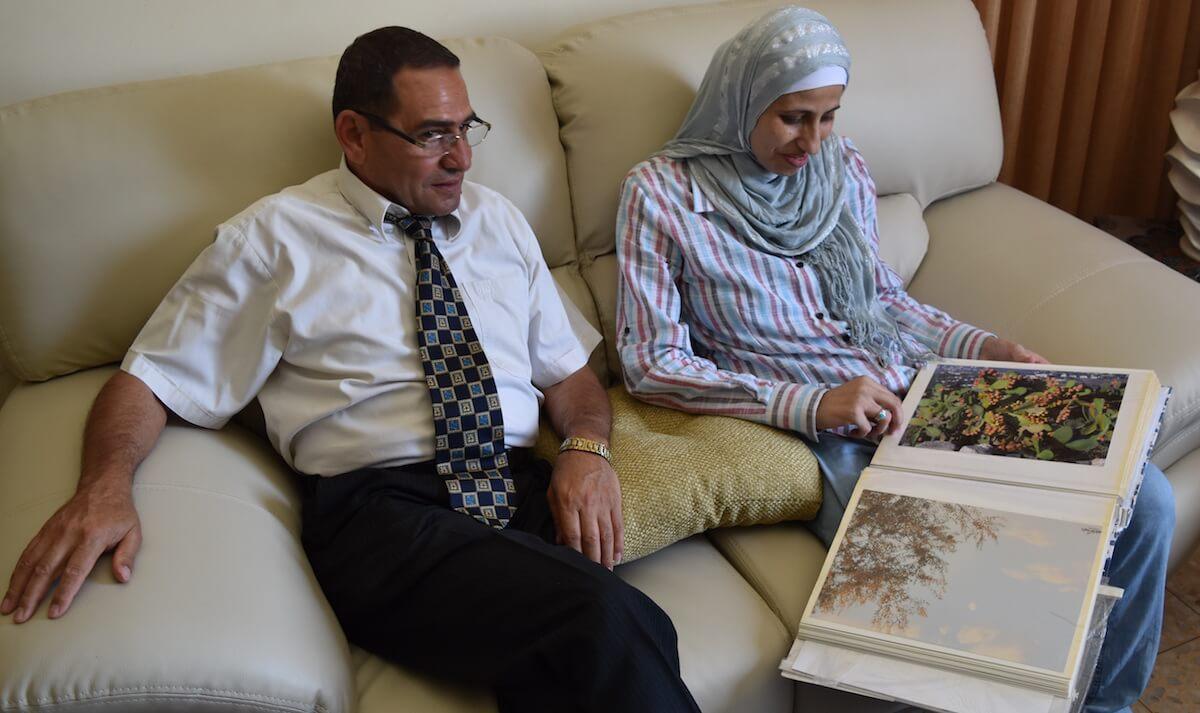 Dareen Tatour and her father Tawfiq Tatour (Photo: Zahi Khamis)