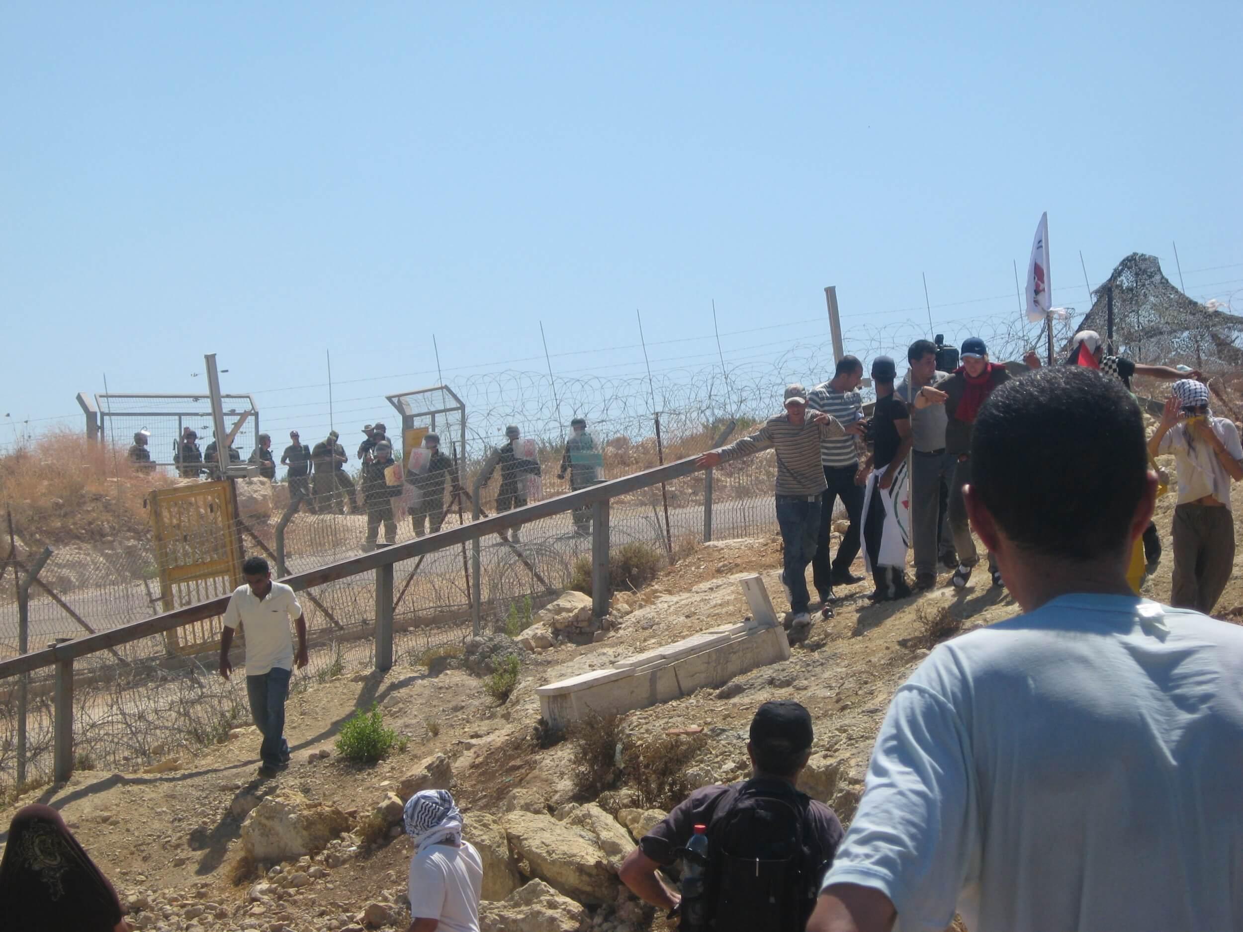 Resistance demonstrations in Bil'lin met with crackdown by Israeli Defense Forces against civilians. (Photo: Harry Gunkel)
