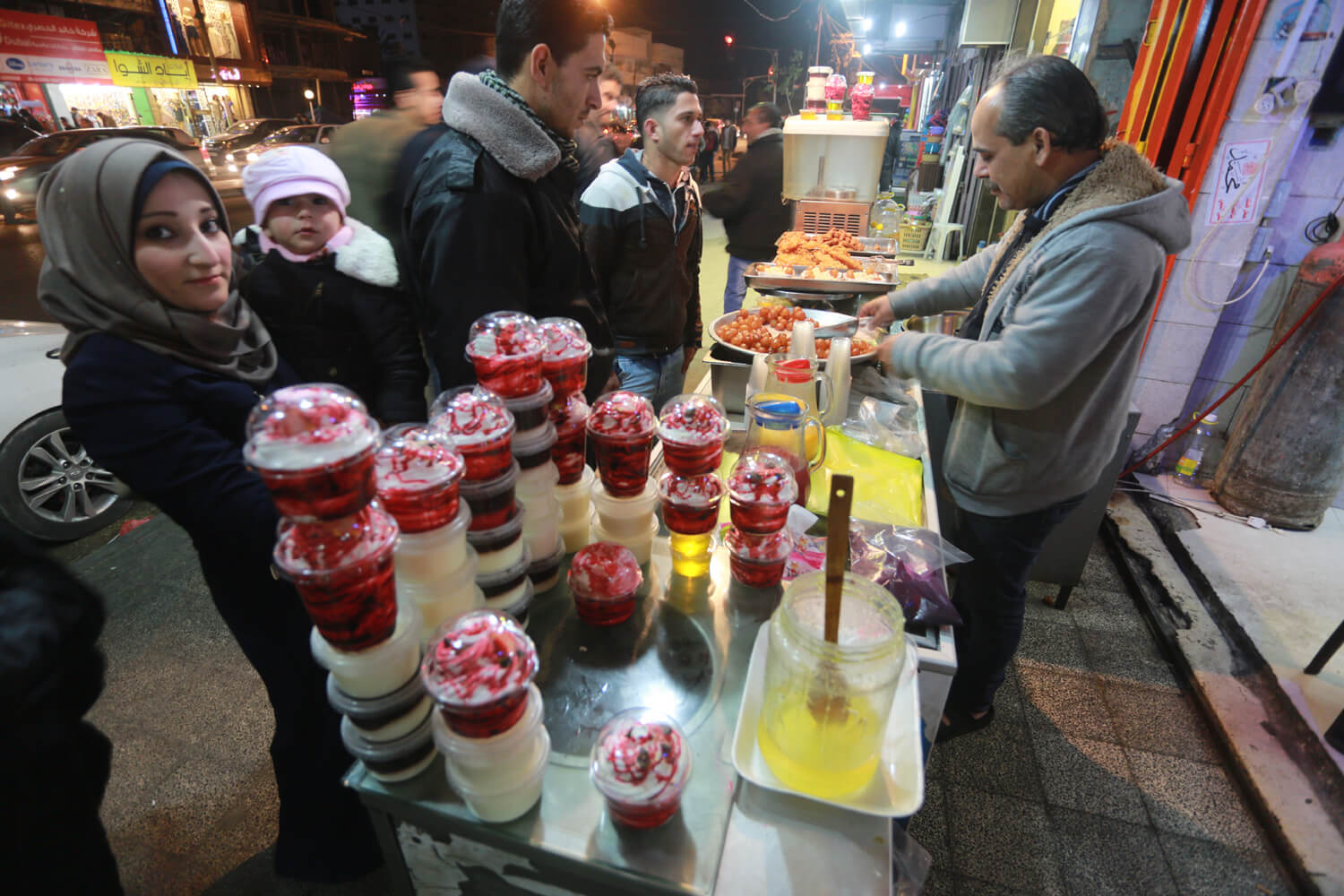 Vendor sells sweets for New Year's Eve (Photo: Mohammed Asad)