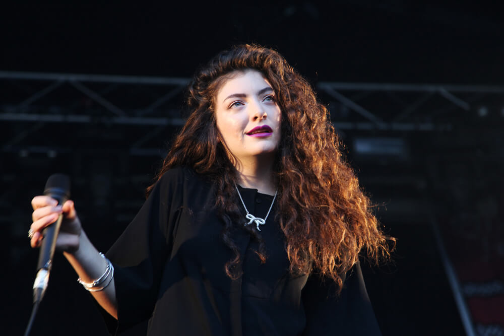 Lorde didn't bow to pressure, she rose to the occasion