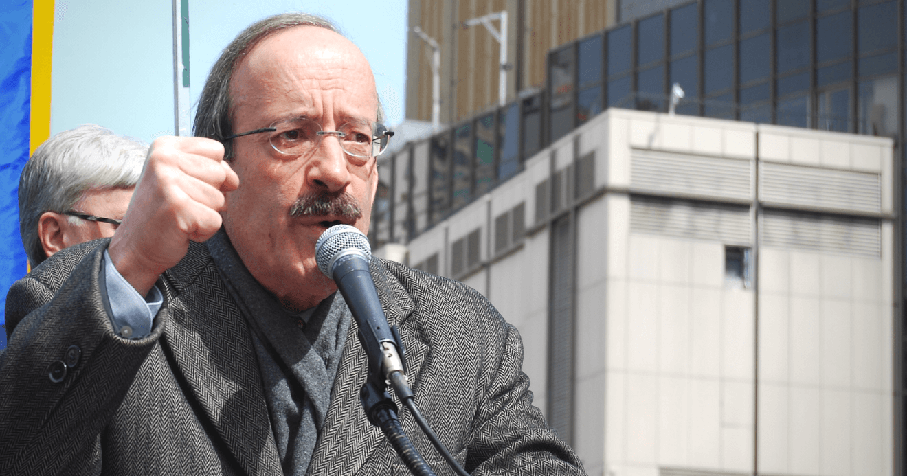 Congressman Eliot Engel (D, NY-16) speaking at a 2013 rally.