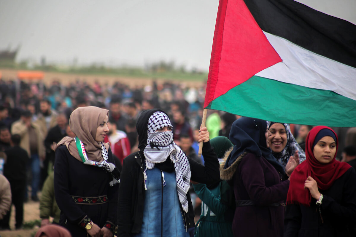 Palestinian protesters join the Great March of Return in Jabalia in the northern Gaza Strip on March 30, 2019.