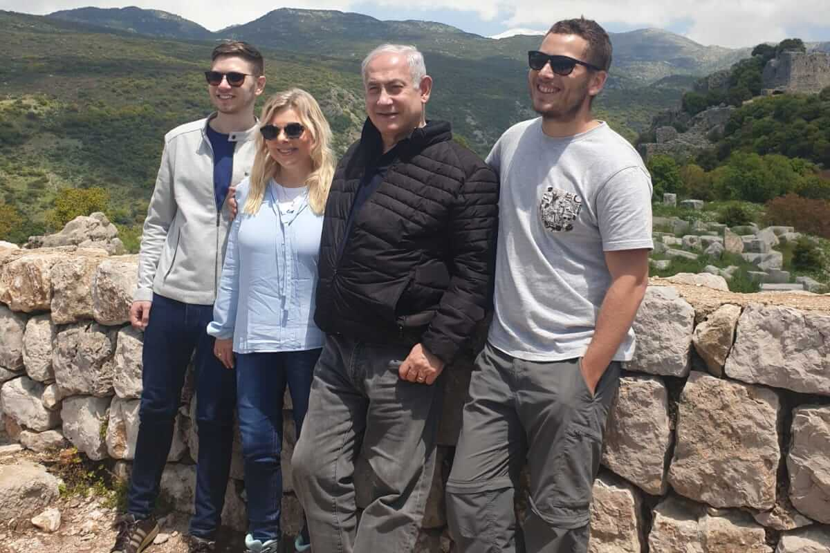 The Netanyahu family in the Golan Heights. (Photo: GPO)