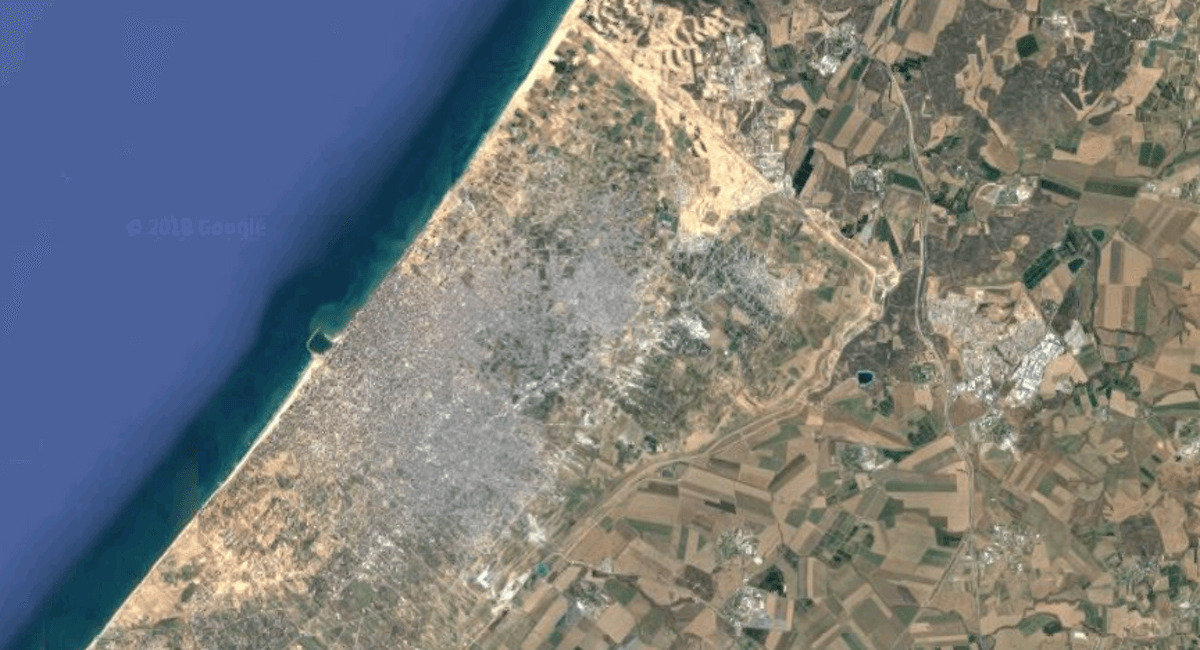 Gaza City on one side of the border, Israeli farms on the other. (Image: Google Maps)