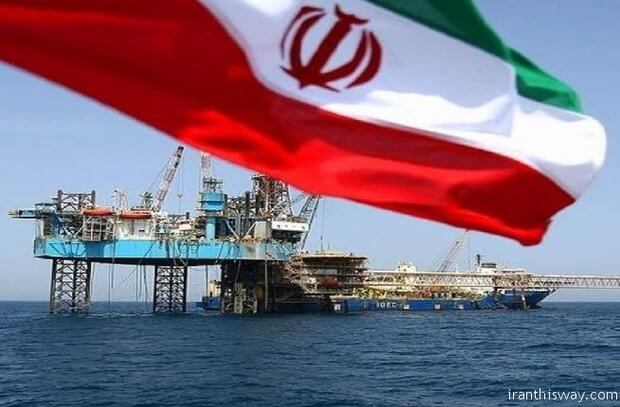 Rigs drill for oil off of the coast of Iran. (Photo: IranThisWay)