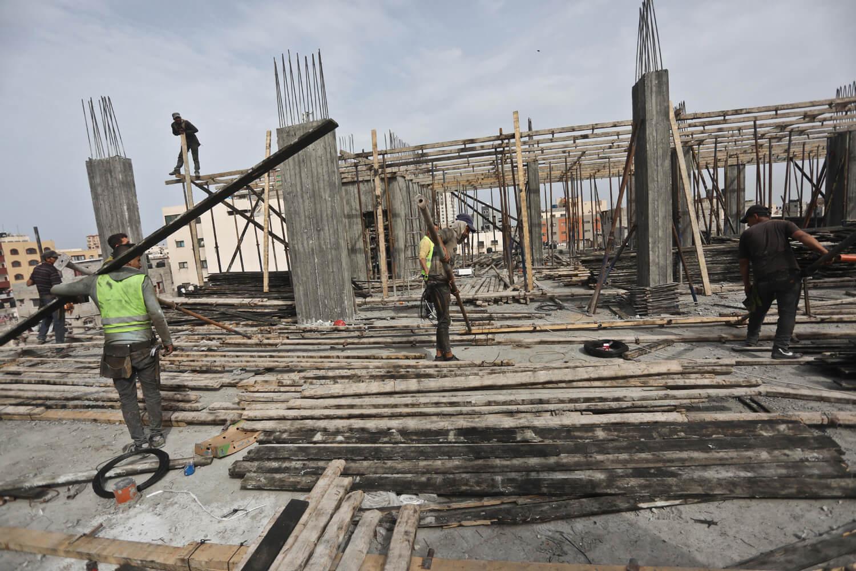 Building the new maternity ward at al-Shifa hospital in Gaza City (Photo: Mohammed Asad)
