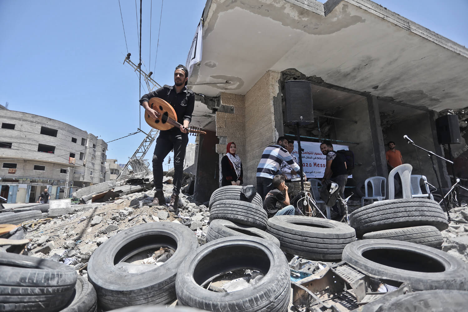 A concert in the ruins of the al-Qamar building (Photo: Mohammed Asad)