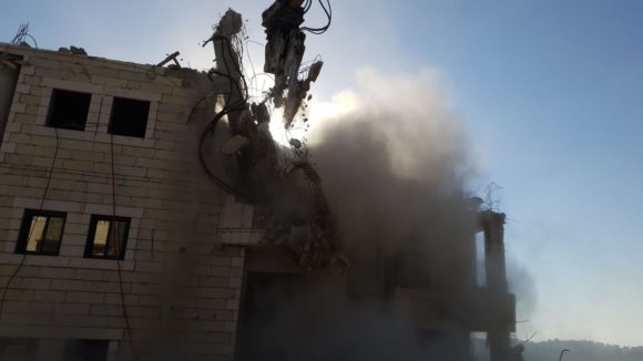 Israeli forces demolished 10 buildings in Sur Bahir on Monday, July 22, 2019 (Photo: All That's Left: Anti-Occupation Collective)