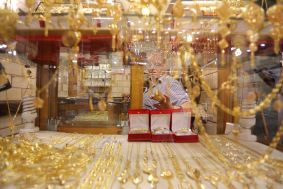 A gold shop in Gaza City's gold market. (Photo: Mohammed Asad)