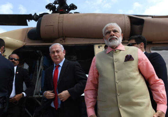 Israeli Prime Minister Benjamin Netanyahu and Indian Prime Minister Narendra Modi on a helicopter tour of Israel in 2017 (Photo: Israel Government Press Office)