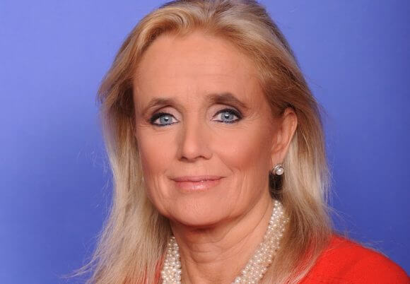 U.S. Congresswoman Debbie Dingell's official portrait, November 2016 (Photo: Wikimedia)