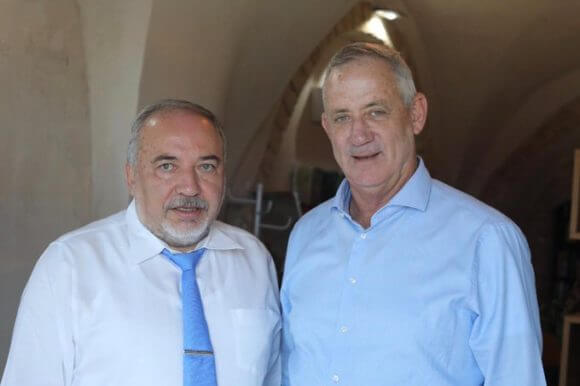 Avigdor Lieberman meets with Benny Gantz, Sept. 23, 2019. From Gantz's twitter feed.