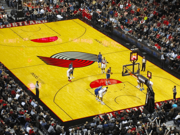 Portland Trail Blazers game at Moda Center, Portland, Oregon (2013) (Wikimedia)